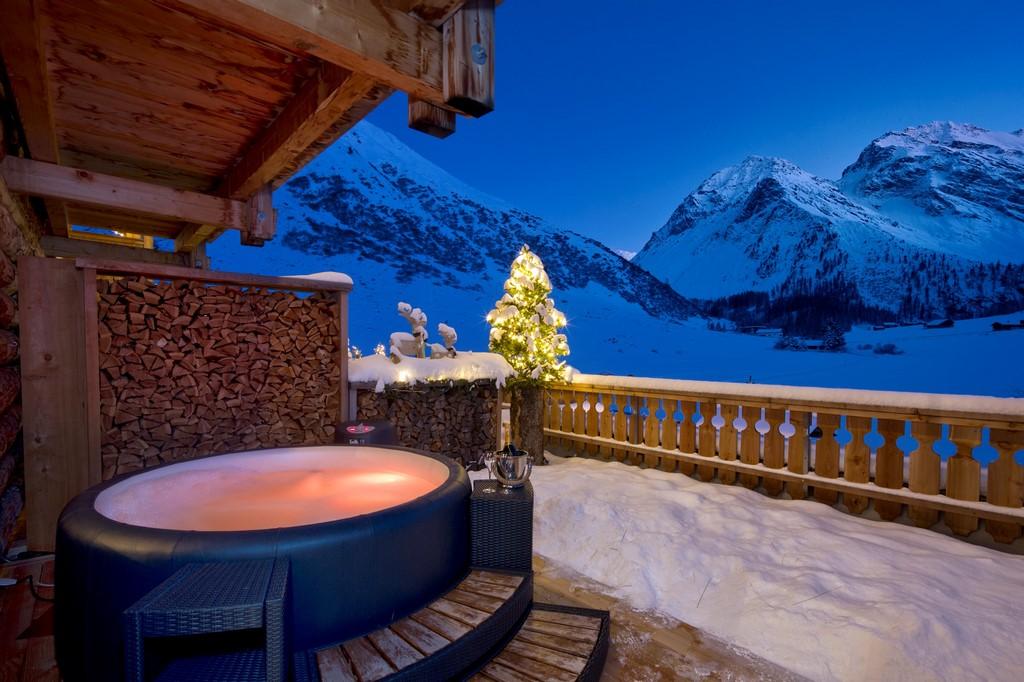 Softub hot tub at Christmas