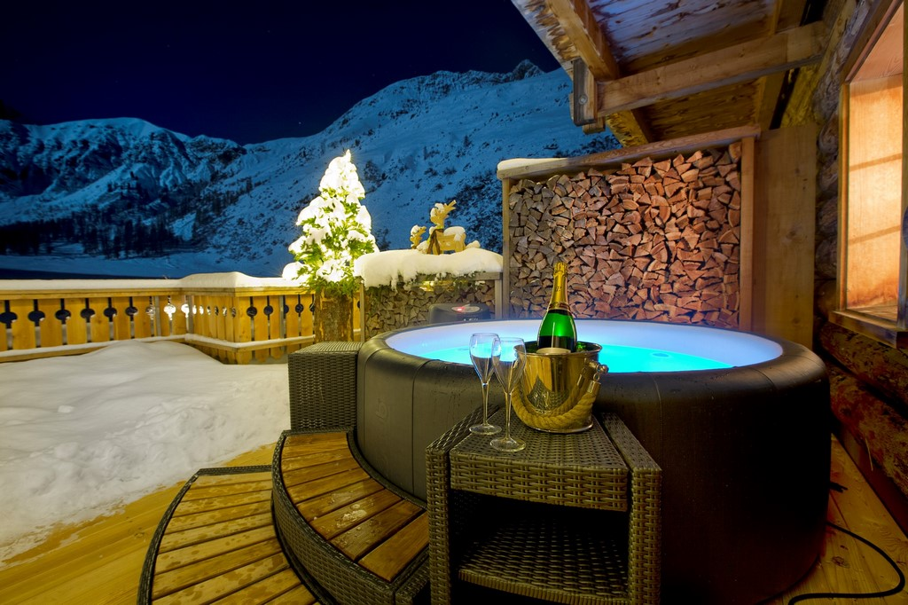 festive greetings from your Softub hot tub