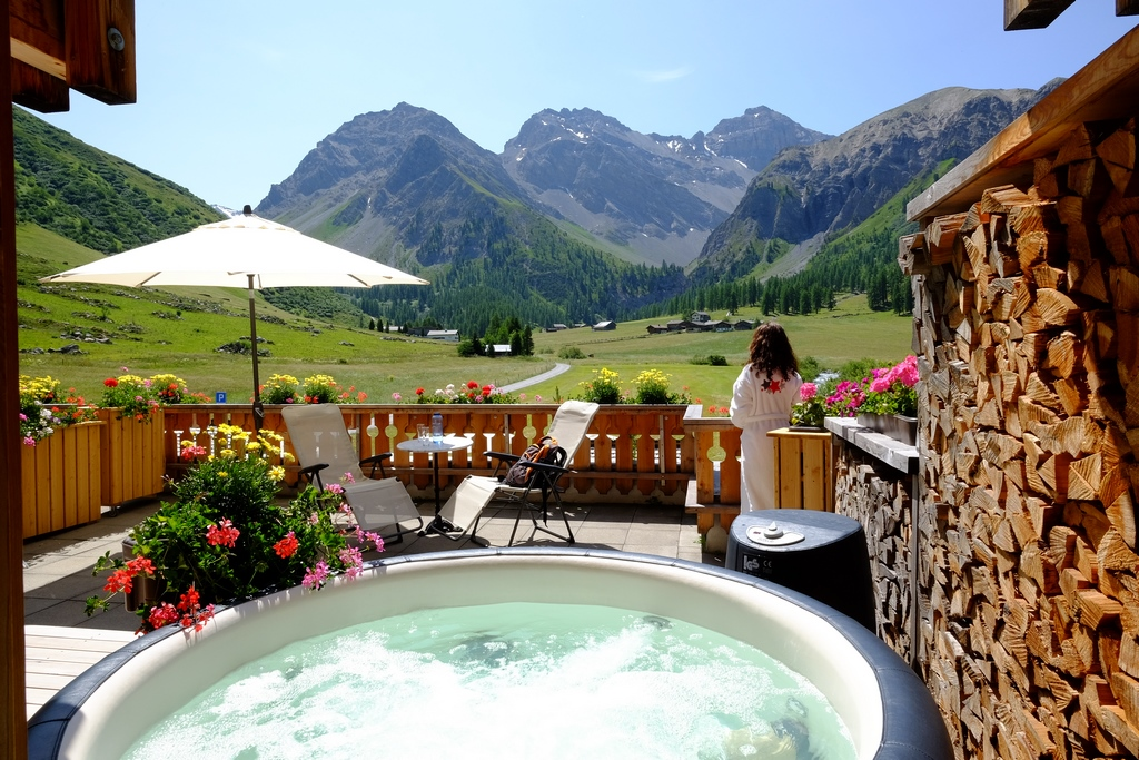 Softub hot tub with mountain views