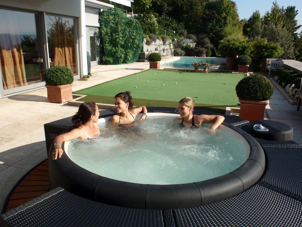 Softub hot tub for friends